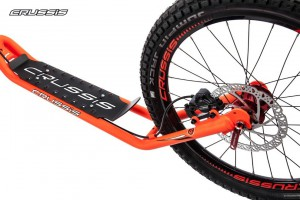 Crussis Cross 6.1 Neon Orange Scooter Tretroller – Bild 3